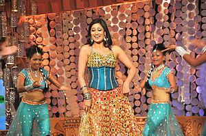 Shweta Tiwari - Tiwari performing on the NDTV Greenathon at Yash Raj Studios.