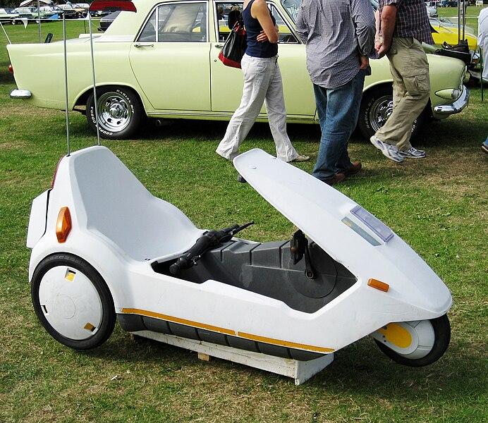 File:Sinclair C5 at Classic Car Fest.JPG