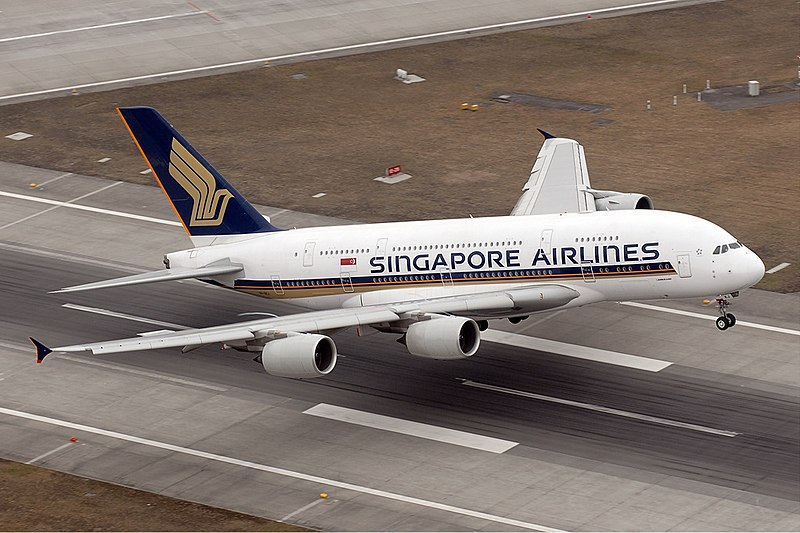 Singapore Airlines A 380 Taking Off