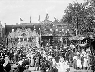 Street fair - The St Giles' Fair in 1905, photographed by Henry Taunt