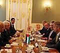 Staatssekretär Lopatka trifft den palästinensischen Präsidenten Abbas (8694829843).jpg