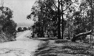 Moggill Road - Image: State Lib Qld 1 40339 View of Moggill Road, Indooroopilly, Brisbane, 1921