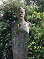 Statue Vetter Bergpark Wilhelmshöhe 01.jpg