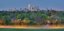 Stave Hill and Canary Wharf, London - April 2008.jpg