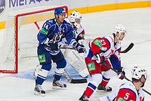 alt=Description de l'image Tarasov and Kondratyev 2012-09-08 Amur—Lokomotiv KHL-game.jpeg.
