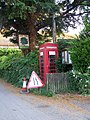 Telephone box, Odstock - geograph.org.uk - 1391422.jpg