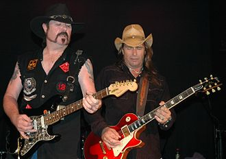 Outlaws (band) - Image: The Outlaws Hughie Chris 06