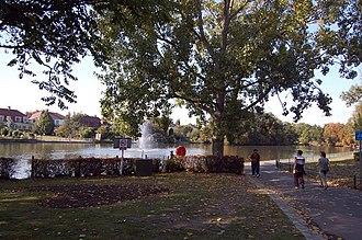 Gidea Park - Image: The Lake, Raphael Park, Gidea Park geograph.org.uk 1557563