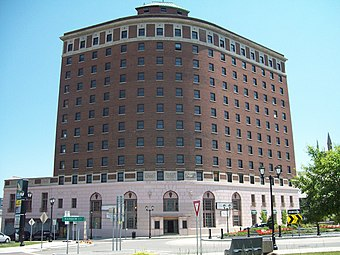 Hotel Niagara in Niagara Falls, New York