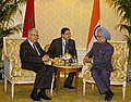 The Prime Minister, Dr. Manmohan Singh meeting the Prime Minister of Morocco, Mr. Abbas El Fassi, on the sidelines of the Nuclear Security Summit, in Washington on April 12, 2010 (1).jpg