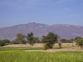 Pahari-Pothwari - Potohar scenery with pahar backdrop
