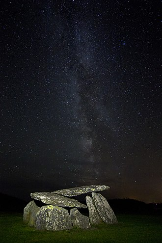 Altar Wedge Tomb - Altar wedge tomb under the Milky Way