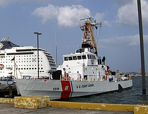 USCGC Sapelo moored next to a cruise liner in San Juan