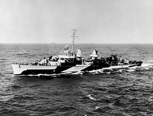 USS Halligan (DD-584) underway in March 1945