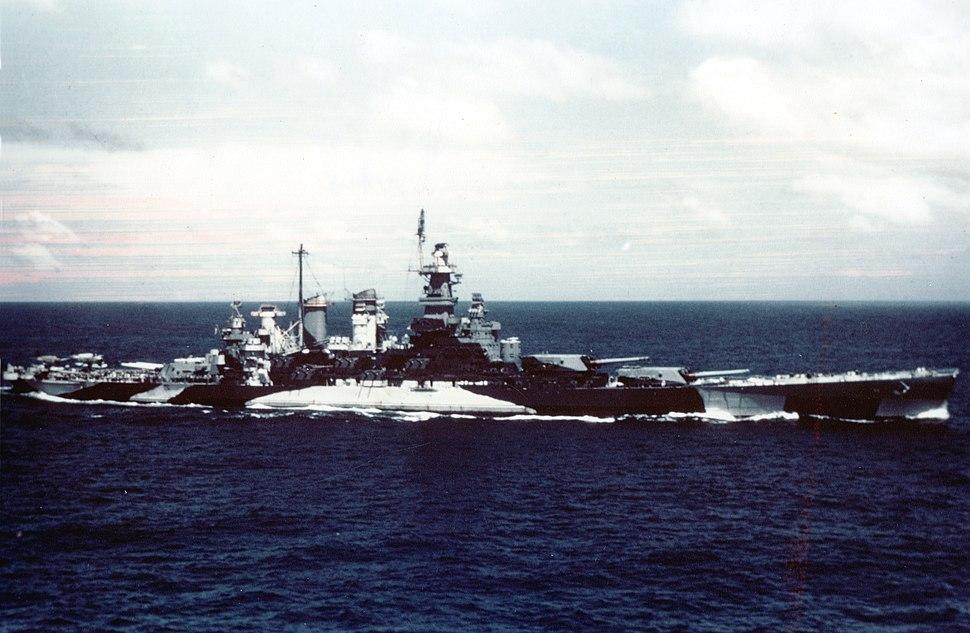 USS North Carolina (BB-55) underway in the Gilbert islands, November 1943