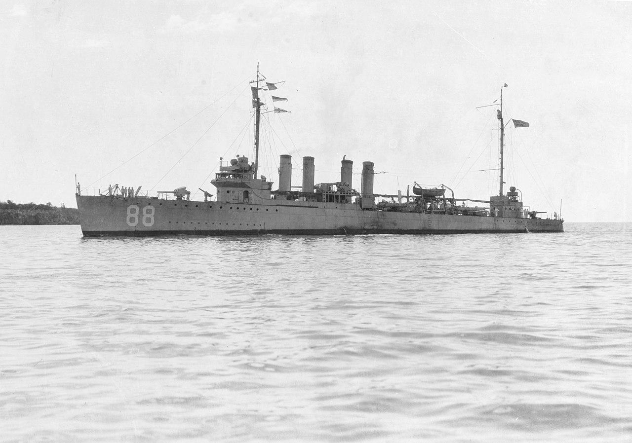 1280px-USS_Robinson_(DD-88)_at_Guantanam