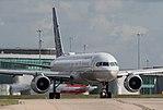 United Airlines B757 (34724263994).jpg