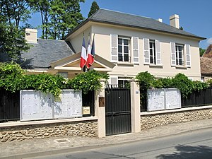 Le Val-Saint-Germain - The town hall of Le Val-Saint-Germain