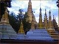 Viaje a birmania sept 2006 stupas (por dario ) (2917220644).jpg