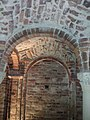 Volte e archi interno cripta.jpg