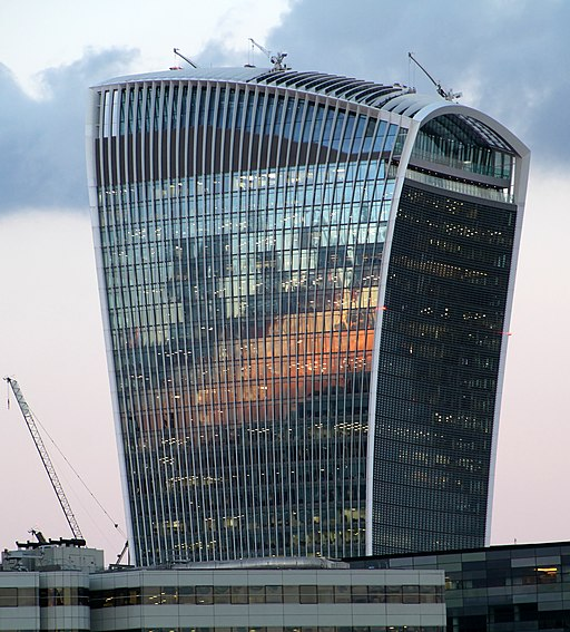 Walkie-Talkie Building Evening (29881324456)