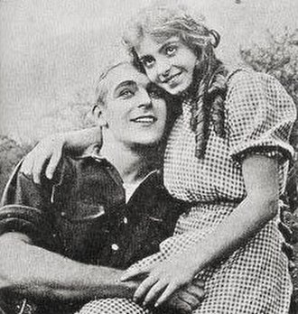 Dorothy Davenport - Wallace Reid and Davenport on the set of His Only Son (1912)