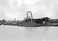 Walnut Street Coal Barges NOLA 1922.jpg