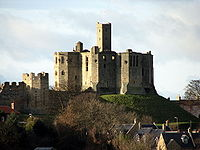 Warkworth Castle 018.jpg