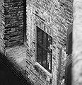 Wassenbeeld gevangene in Torensluis, Bestanddeelnr 929-5644.jpg