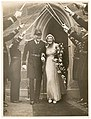 Wedding of Lieutenant-Commander R.P. Middleton of HMAS Sydney and Mary Harvey, St. Mark's, Darling Point, December 1936, by Sam Hood (3001256551).jpg