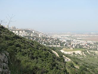 Nesher - Image: Yagur – Nesher, the Green Path – Mount Carmel 081