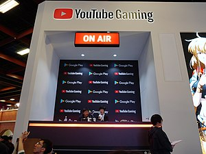 YouTube Gaming live studio at Google Play booth 20190127a.jpg