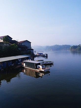 Yuan River - Image: Yuan River in Yuanling County of Huaihua, Hunan, picture 12