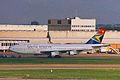 ZS-SAC B747-312 South African LHR 17OCT98 (6582247227).jpg