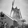 """""""De Koperslager"""" na de brand 29 juli 1964 achterkant van de Zuiderschuur - Zaandijk - 20219460 - RCE.jpg"""
