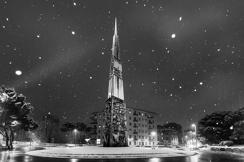 """File:""""Lancia di Luce"""" sotto la neve.jpg"""