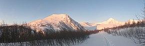 Вид в сторону г. Неройка с востока - panoramio.jpg