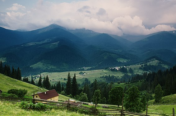 Вид на селище Дземброня.jpg
