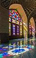 مسجد شیشه های رنگی.jpg