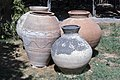 کوزه تاریخی در باغ نظر شیراز-urns in Pars Museum iran 02.jpg