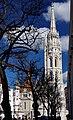 03 2019 photo Paolo Villa - F0197872 bis- Budapest - Chiesa San Mattia e Monumento Santa Trinità - Holy Trinity column - Facade of Matthias Church (Budapest).jpg