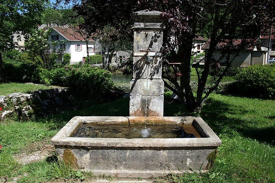 Mouthier-Haute-Pierre  (Doubs - France), public fountain near the Loue (river).