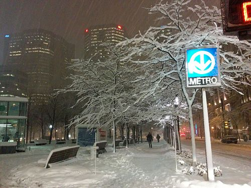 10 Dec 2014 Metro Montreal sign snow.jpg