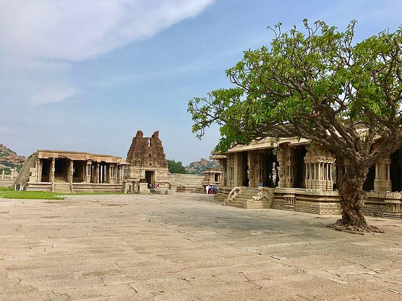 File:15th-16th century Vitthala temple exterior view, Hampi Hindu monuments Karnataka.jpg
