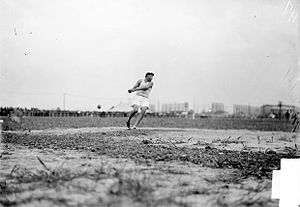 Athletics at the 1904 Summer Olympics – Men's hammer throw - Image: 1904 Ralph Rose in action