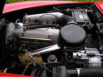 Mercedes-Benz M121 engine - This picture shows the M121 engine in a 190SL. (Photo author: Aida200400)