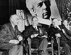 Liberal Party of Canada leadership election, 1948 - Louis St. Laurent, William Lyon Mackenzie King, and James Garfield Gardiner at the convention.