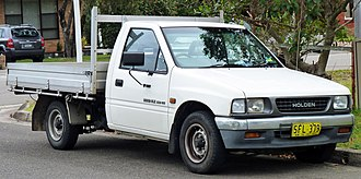 Isuzu Rodeo - Image: 1991 1992 Holden Rodeo (TF) DLX 2 door cab chassis (2010 09 23)