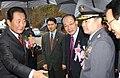 2003년 11월 8일 대한민국 총리 고건, 행정자치부 장관 허성관, 소방공무원 남상호.jpg