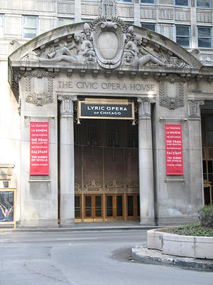English: Lyric Opera of Chicago south entrance...